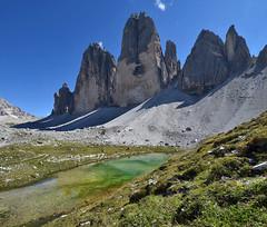 Another view of Le Tre Cime di Lavaredo (ladigue_99) Tags: italy alps italia hiking hike alpen tarn alpi dolomites dolomiti laghetto veneto cadore auronzo misurina dreizinnen lakelet dolomitidisesto ladigue99 provinciadibelluno letrecimedilavaredo tréthime