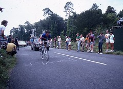 1982 World Cycling Champ021 (Tim Callaghan) Tags: cycling jones 1982 bikes flags kelly 35mmslides roads crowds goodwood lemond saroni worldroadracechampionships