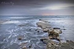 Rincones del sur. (Francisco J. Prez.) Tags: naturaleza nature mar spain cielo cdiz playas tarifa campodegibraltar playasdetarifa pentax14mm28 pentaxk5 franciscojprez