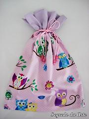 Saquinho feito pela aluna Vanessa, nas aulas de patchwork com a professora Maria Teresa (loja segredo da arte) Tags: rosa infantil coruja patchwork lilás portatreco artesanatoemtecido