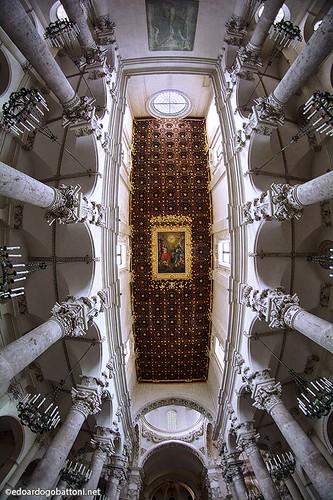 church basilica ceiling (Photo: edoardo.gobattoni on Flickr)