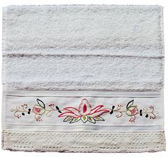 TCG-002 -Toallas de cortesía grandes (TOTOARTE) Tags: español bordado toalla cortesía vagonite técnicas puntodecruz yugoslavo toalladecortesía