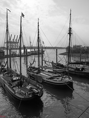 Museumshafen Oevelgnne (scuthography) Tags: blackandwhite port river pier boat photo