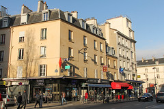 Rue de Reuilly - Paris (France) (Meteorry) Tags: street morning paris france facade corner coin europe îledefrance mcdonalds renault tabac february rue façade idf matin diderot 2015 meteorry reuilly ruedereuilly erard rueerard reuillydiderot espacetabac lesargentiers
