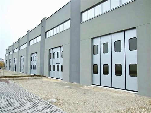 Складывающиеся ворота для заводов. imva, liber,