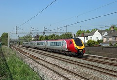 221 142, Atherstone, 12 May 2016 (Mr Joseph Bloggs) Tags: railroad london train railway virgin chester voyager 221 bahn treno euston 142 atherstone 1a33 221142