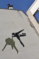 Strk_2143 rue de la Glacire Paris 13 (meuh1246) Tags: streetart paris paris13 strk capuche ruedelaglacire
