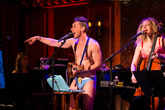 IMG_2615 (Cherie B. Tay) Tags: nyc concert ukulele 54below theskivvies