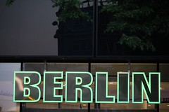 Berlin (Patricio_Alvarado) Tags: luz light green verde nen europa berlin mall alemania germany