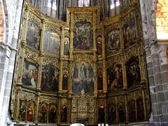 vila (santiagolopezpastor) Tags: espaa church spain cathedral gothic catedral iglesia medieval espagne middleages castilla vila castillaylen gtico provinciadevila