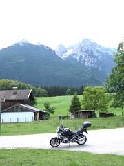 Hochkalter (leider in Wolken) 2607m + Blaueis Gletscher (John Steam) Tags: classic germany bayern glacier motorbike bmw motorcycle alpen gletscher gebirge motorrad hintersee ramsau 2011 berchtesgadener blaueis hochkalter r1200r