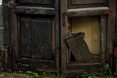 DOORWAY TO THE PAST (marcam1100) Tags: porta door past passato vecchio rotto elegante vero storia ronciglione lazio italia canon reflex