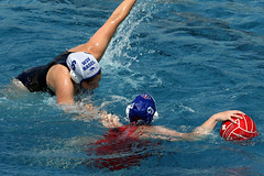 AW3Z0334_R.Varadi_R.Varadi (Robi33) Tags: summer sports water swimming ball fight women action basel swimmingpool watersports waterpolo sportspool waterpolochampionship