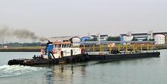 Steven B (5) @ KGV Lock 11-06-16 (AJBC_1) Tags: uk england london boat ship unitedkingdom vessel tugboat tug pontoon eastlondon nikond3200 northwoolwich newham royaldocks aggregateindustries londonboroughofnewham kinggeorgevdock stevenb kgvdock dlrblog londonsroyaldocks livettsgroup ajc
