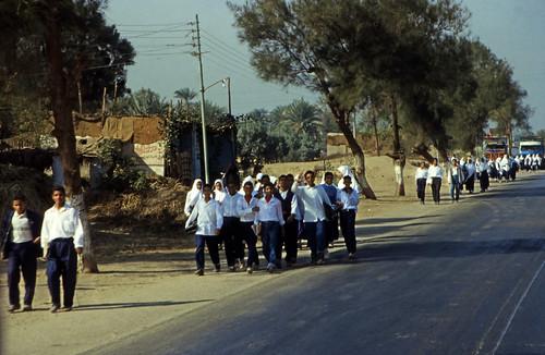 "Ägypten 1999 (149) Busfahrt Assuan - Luxor • <a style=""font-size:0.8em;"" href=""http://www.flickr.com/photos/69570948@N04/27570670042/"" target=""_blank"">View on Flickr</a>"