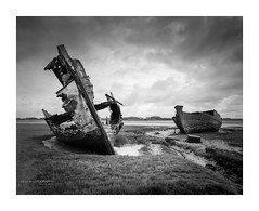 fleetwood_marsh-4 (D_M_J) Tags: camera uk blackandwhite bw white black west abandoned film monochrome field river landscape mono coast kodak north large hc110 delta lancashire shipwreck lee epson 4x5 format shen marsh 100 wreck filters 90mm ilford hao fleetwood wyre fylde 5x4 rodenstock v850 hzx45