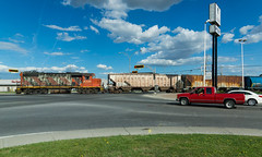 CN 519 @ Saint-Hyacinthe (Mathieu Tremblay) Tags: red cn rouge spur boulevard crossing pickup canadian national qubec passage canadien niveau subdivision saintjude gp382 sainthyacinthe camionnette 4730 laframboise