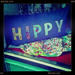 H I P P Y (Leo Reynolds) Tags: hippy cushion f28 262 3gs iphone iso64 hpexif 0001sec leol30random iphoneography iphone3gs hipstamatic xleol30x grouphipstamatic groupamazingiphone