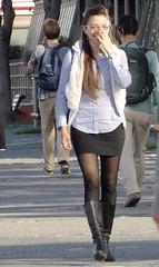 Simpatia (carlos_ar2000) Tags: street woman sexy argentina girl beauty smile calle mujer buenosaires pretty chica gorgeous linda bella sonrisa brunette mirada glance puertomadero morocha