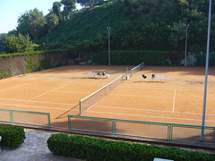 "Campi tennis - 1 • <a style=""font-size:0.8em;"" href=""http://www.flickr.com/photos/97213499@N04/9293904851/"" target=""_blank"">View on Flickr</a>"