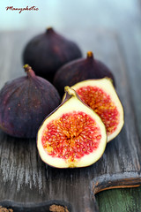 Fresh figs (manyakotic) Tags: red food fruit dark dessert juicy healthy raw sweet cut fresh seeds half pulp figs core pith ingredient