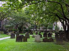Cimetire Trinity Church New York (Christophe Meusy) Tags: usa newyork church canon trinity 1022 cimetery 550d
