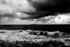 movinG (niK10d) Tags: sea clouds island waves concordia elisa giglio pentaxk10d 31mmf18limited