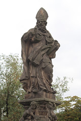 008695 - Praga (M.Peinado) Tags: canon puente barco praha praga escultura karlvmost chequia esko eskrepublika 2013 puentedecarlos ccby r canoneos60d repblicachecha 03092013 septiembrede2013