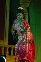 A typical dance pose (keyaart) Tags: india men women dancers folk mumbai lavani