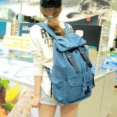 กระเป๋าเป้ สไตล์อินเทรนด์แฟชั่นเกาหลี สวยใหม่ล่าสุดทันสมัยสะพายหลังแบบเป้ใบใหญ่เท่มาก ใช้ได้ทุกวัยขนาดกำลังดี ใช้ได้นานทนทาน ด้านในบุด้วยผ้า ทำด้วยผ้าแคนวาสอย่างดีน้ำหนักเบา คล่องตัว เหมาะจะไปเที่ยวหรือไปทำงานก็น่ารักดูสวยใหม่มีให้เลือกสวย จะใส่เป็นกระเป๋