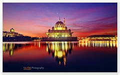 The Dawn in Putrajaya (Vin PSK) Tags: red reflection landscape dawn mosque malaysia putrajaya putra