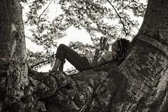 aria aperta... (sermatimati) Tags: primavera relax outdoors nikon natura sole albero inverno lettura luce matilde magia topolino fascino ariaaperta sermatimati