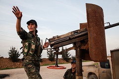 IMG_7079.jpg (Reportages ici et ailleurs) Tags: women femme syria guerre frontline soldat guerilla syrie isil rojava ypg kurde yannrenoult ypj syrianconflict kurdistansyrien girkelege unitfminine