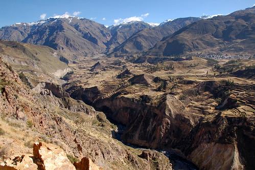 "Peru - dolina rzeki Colca <a style=""margin-left:10px; font-size:0.8em;"" href=""http://www.flickr.com/photos/125852101@N02/15918706374/"" target=""_blank"">@flickr</a>"