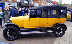 Morris, Stratford-upon-Avon Festival of Motoring 2016. (Roly-sisaphus) Tags: uk greatbritain england cars unitedkingdom gb warwickshire automobiles stratforduponavon midlands festivalofmotoring nikond802016dsc0576