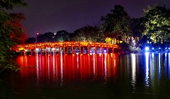 A night by the lake (Melvin Yue) Tags: street city travel colors night 35mm asia vietnamese cityscape colours streetphotography wanderlust traveller vietnam explore fujifilm lonelyplanet hanoi hoankiem photooftheday picoftheday natgeo travelphotography travelgram x100s