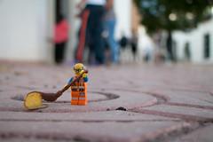 Barriendo, que es gerundio. (Marmotuca) Tags: lego broom streetsweeper barrendero limpieza barrer