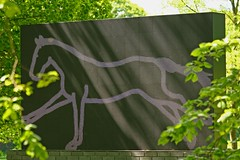 Julian Opie, Galloping Horse, 2012 (RoystonVasey) Tags: park sculpture horse west canon eos hall julian zoom yorkshire usm 70300mm opie 2012 bretton ysp galloping 400d