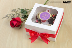Wishful Day - Valentine Set 2015 - 4pcs Box (Saravut - Viewfinder) Tags: christmas cute festival set studio table dessert photography sweet bokeh celebration cupcake photograph bakery celebrate saravutviewfinder