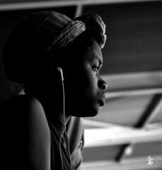 _DSC0272 - Profil (Le To) Tags: portrait bw monochrome noiretblanc interieur femme ritratto personne profil nerosubianco