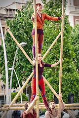 Trapezi 2016 - Cia. Circ Bover - Vincles (German SC) Tags: street urban primavera festival spring circus performance catalonia urbana catalunya carrer reus circ trapezi actuaci tamron55200 atravsdelvisor sonyalphadslta65 germansc