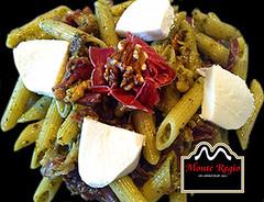 Macarrones con nueces, mozzarella y jamn ibrico Monte Regio (Monte Regio) Tags: ham monte jamn regio ibrico