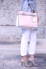 PinkReed1a (InSpadesBlog) Tags: fashion style blogger kennethcole frenchconnection ootd whitedenim croppedjeans reedkrakoff