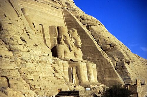 "Ägypten 1999 (104) Assuan: Großer Tempel von Abu Simbel • <a style=""font-size:0.8em;"" href=""http://www.flickr.com/photos/69570948@N04/27430243185/"" target=""_blank"">View on Flickr</a>"