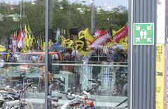 D3s_20160611_160757 (martin juen) Tags: vienna wien demo austria österreich demonstration polizei rechts aut barrikaden nationalismus gegendemo pfefferspray barrikade polizeigewalt rechtsextrem martinjuen revisonismus identitär identitäre 12062016 12juni2016