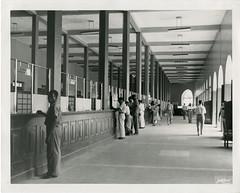 Aspecto interior do Edifcio da Estao Central Postal da cidade de Luanda, Angola, c.1950 (Fundao Portuguesa das Comunicaes) Tags: mus 1950 angola luanda fpc fundaoportuguesadascomunicaes ft1217