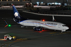 XA-AMV (Rich Snyder--Jetarazzi Photography) Tags: california ca night plane dark airplane lights am sfo aircraft jet startup boeing departure amx airliner millbrae 737 departing pushback aeromexico jetliner b737 sanfranciscointernationalairport 737800 ksfo atower b738 737852 rcta xaamv ramptowera