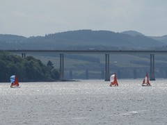 Yacht race (sheumais63) Tags: bridge river scotland fife dundee tay