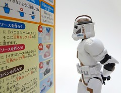 Kracie Happy Kitchen DIY Candy Donut Kit 9 (TheFoodJunk) Tags: japan japanese diy starwars candy junkfood clonetrooper happykitchen kracie popincookin
