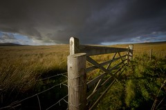 Gateway to a heavy sky. (foto.pro) Tags: light sky sun wales dark gate moor denbigh